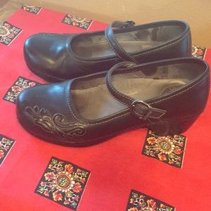 Dansko Savanna Mary Gabe's nurse work comfort shoe